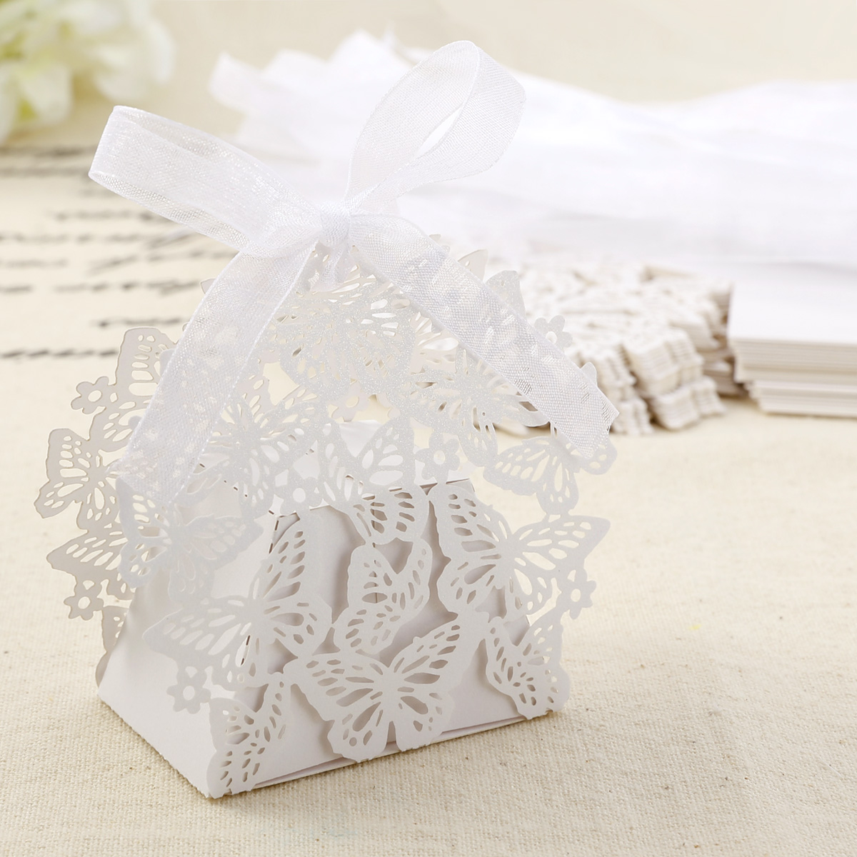 Butterfly Paper Cut Wedding Favor Sweet Cake Gift Candy Boxes Table ...