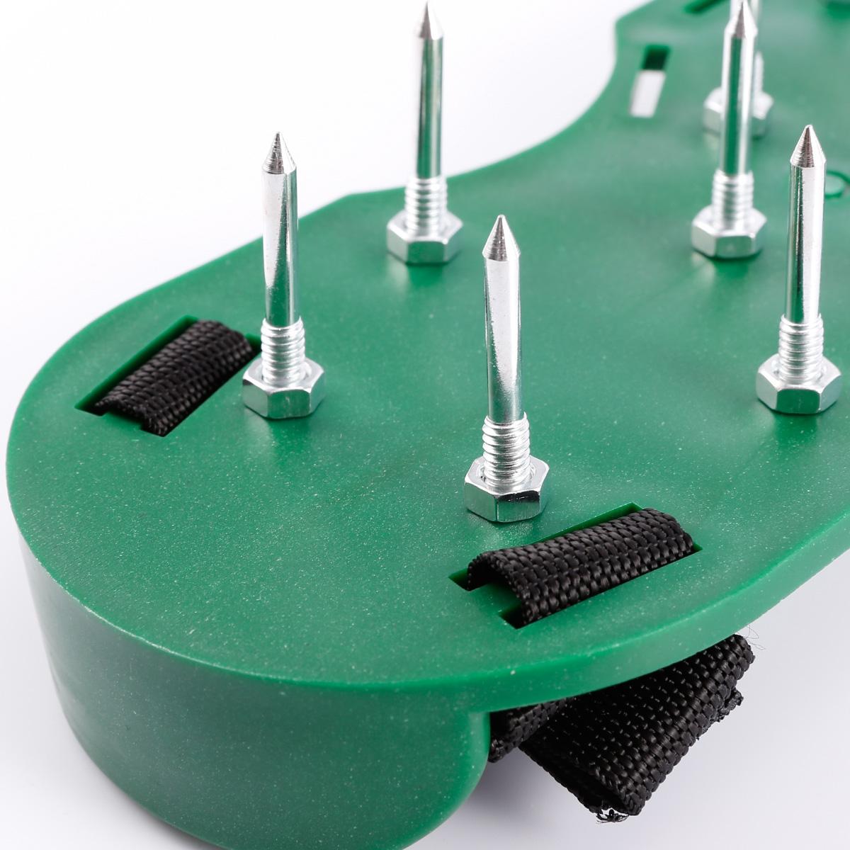 a rateur de pelouse chaussures sandales avec clous pointes. Black Bedroom Furniture Sets. Home Design Ideas