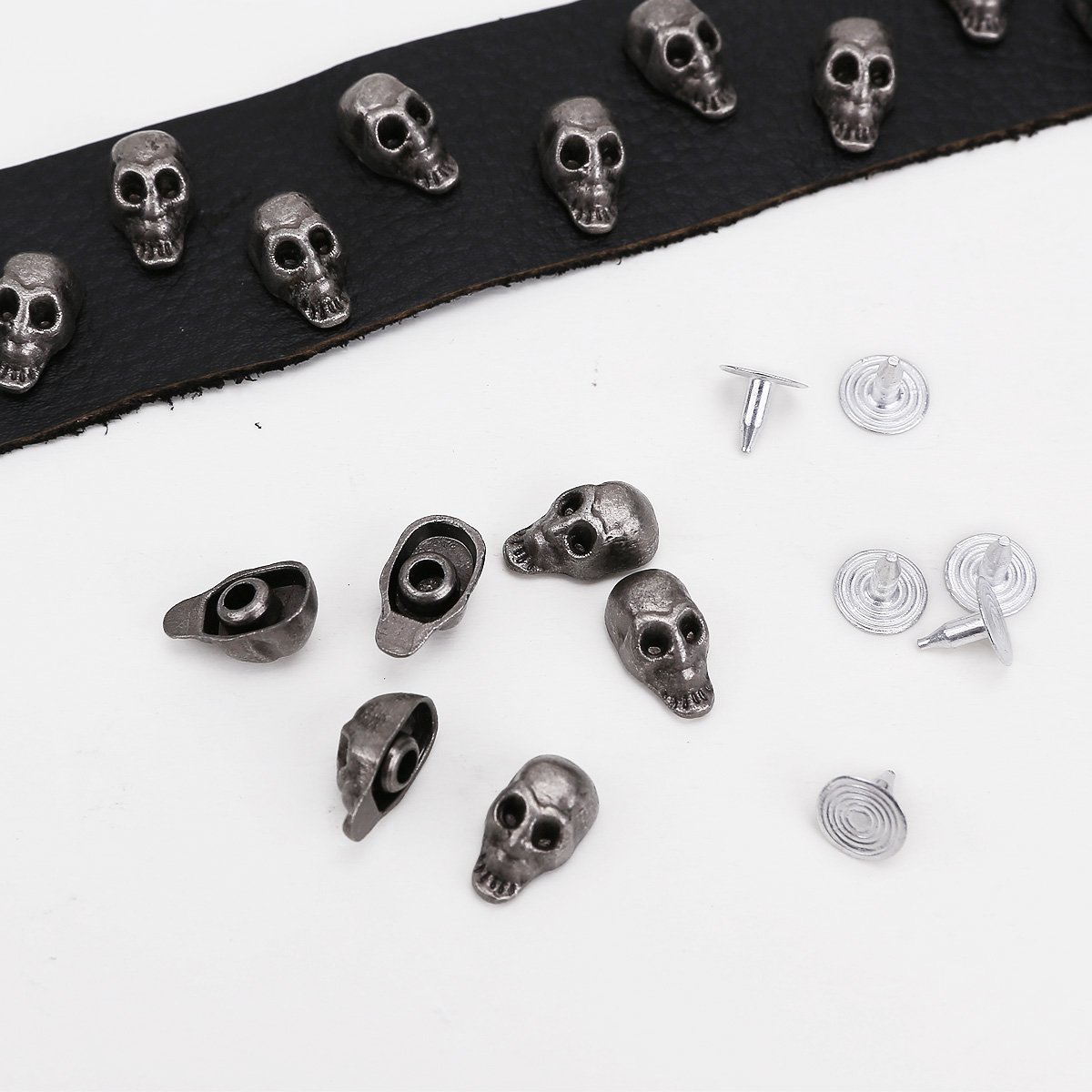 30 Metall Totenkopf Nieten Ledernieten Skull Ziernieten Basteln Schuhe Tasche